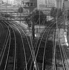Railroad tracks splitting