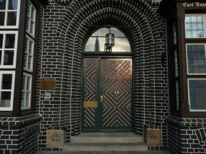 entrance-843814_640